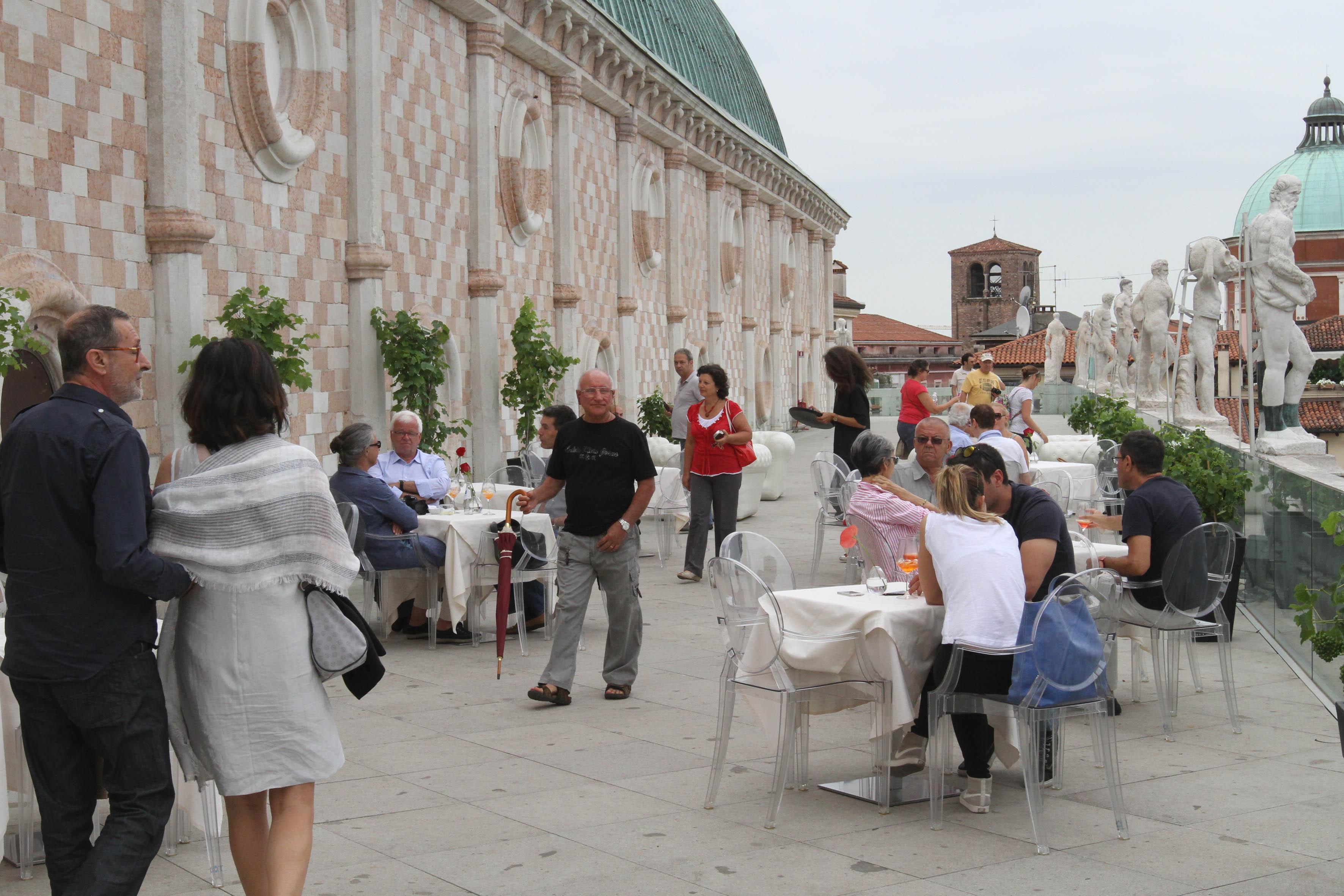 Terrazza della Basilica Palladiana, più di mille accessi nel primo ...