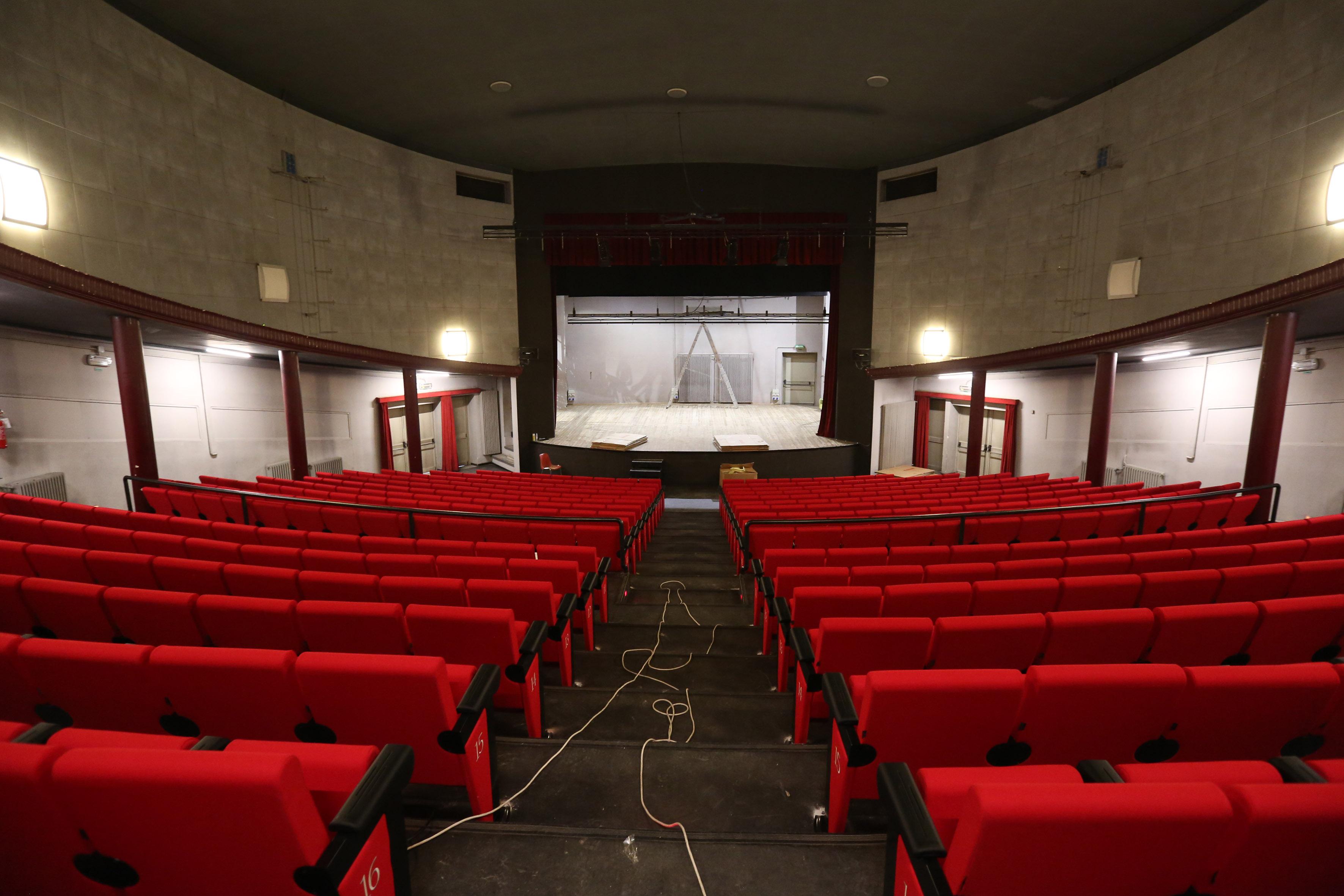 Lavori Ristrutturazione : Teatro astra completata la ristrutturazione e