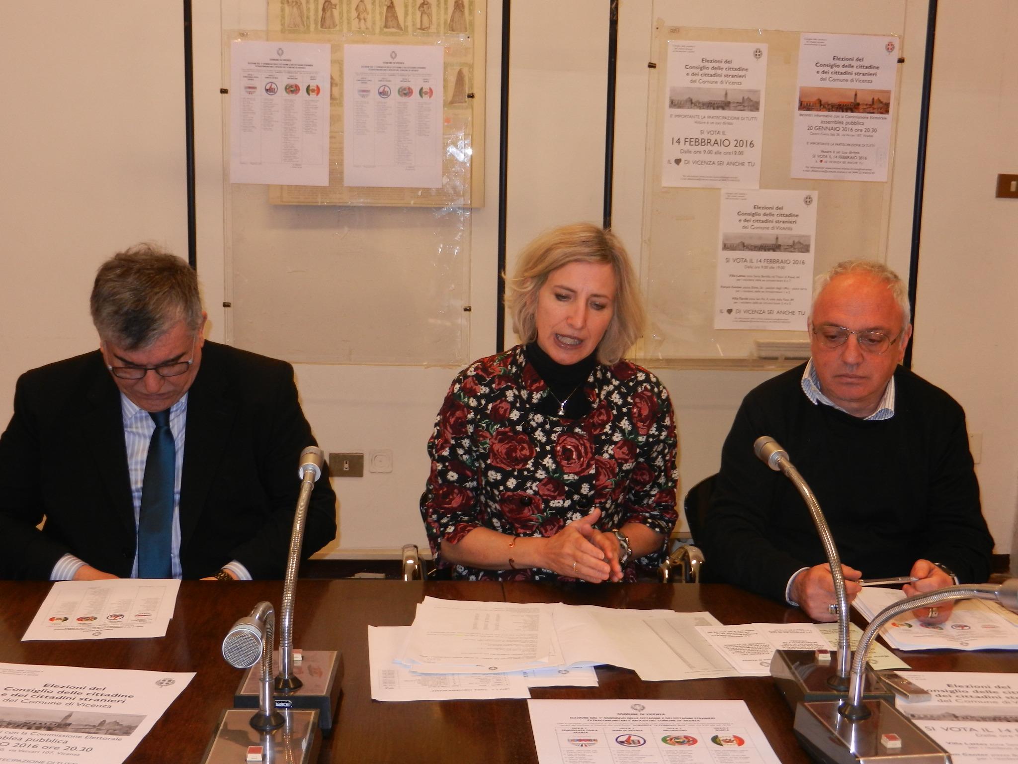 Ufficio Per Stranieri Vicenza : Per la prima volta cerimonia pubblica collettiva per il
