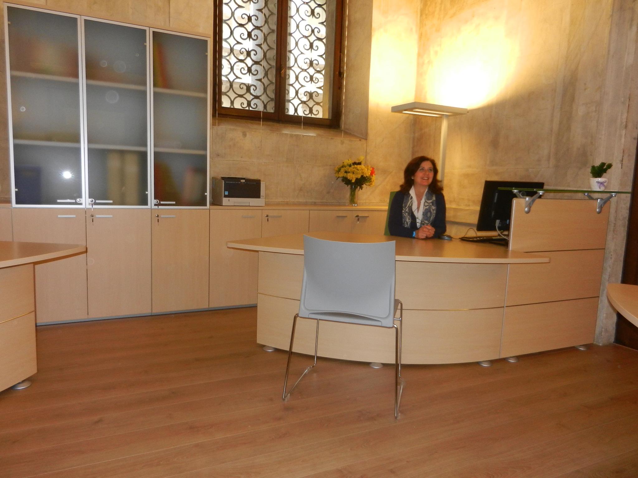 Allestimento pi accogliente e funzionale per l 39 ufficio for Allestimento ufficio