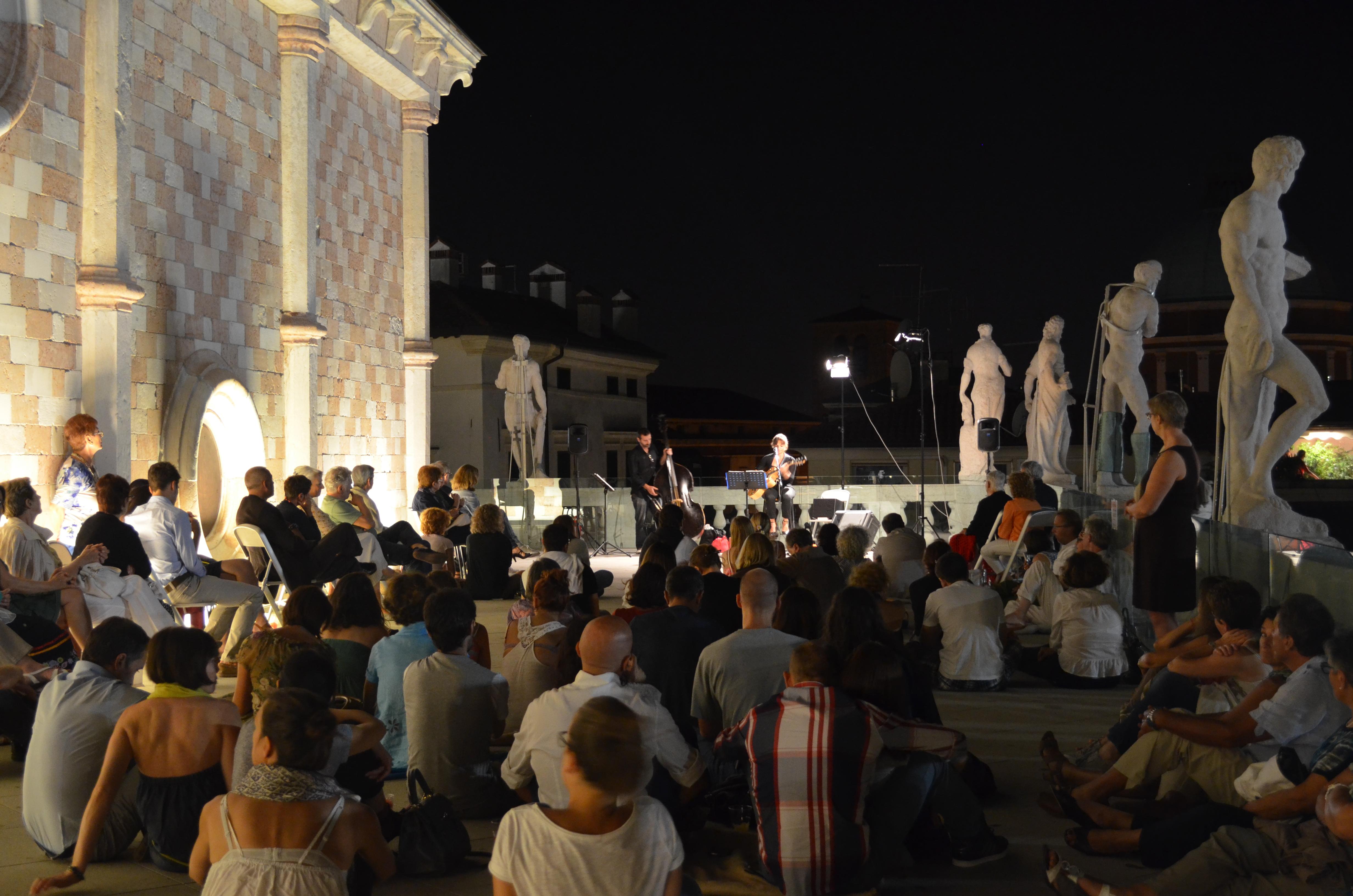 """Tintarella di luna"""", mercoledì 4 settembre sulla terrazza della ..."""