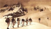 Alpini sciatori, (archivio fotografico del Museo del Risorgimento e della Resistenza)
